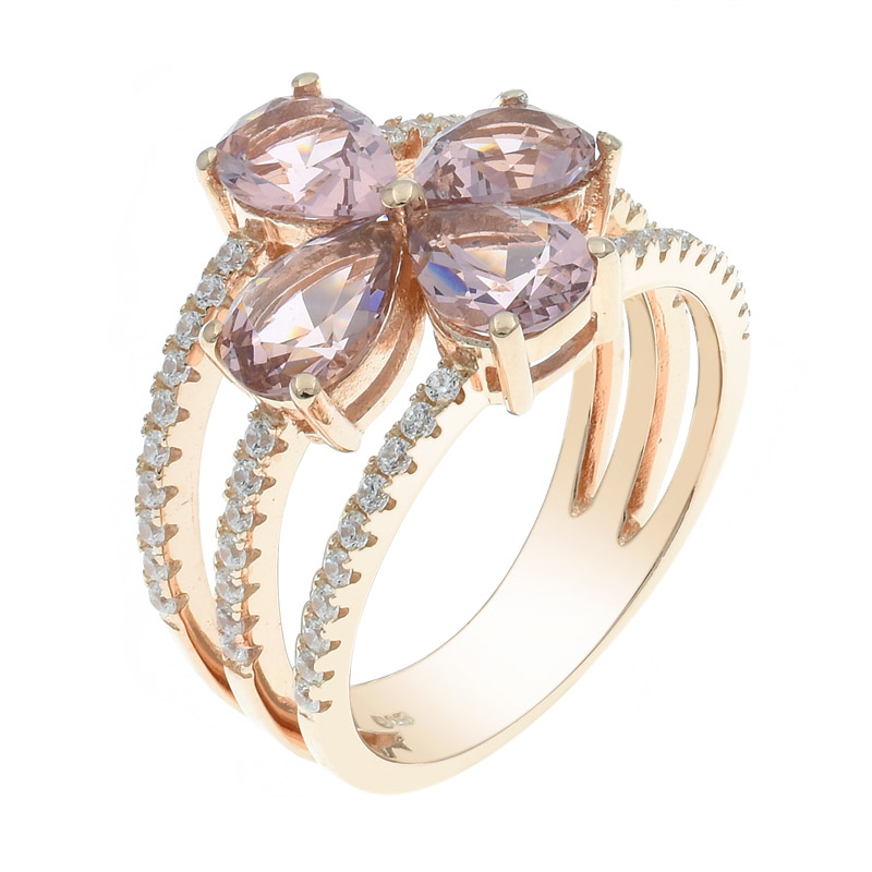 4 leaf clover ring with Morganite Nano