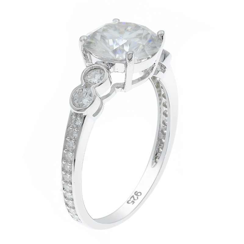Women Understated Style Ring
