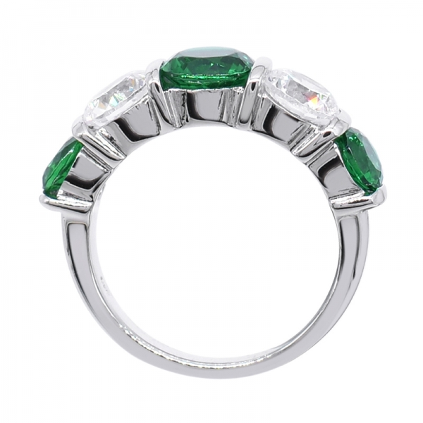 Extraordinary 925 Ring WIth Green & White Stones