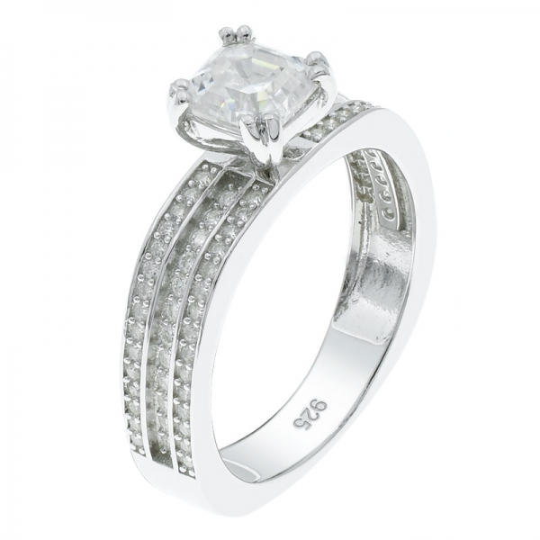 925 Silver Exquisite Solitaire White CZ Ring
