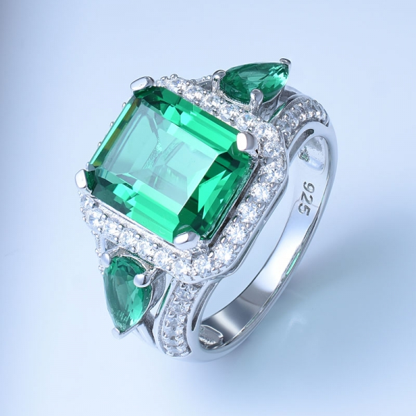 925 Sterling Silver Beautiful Ring With Green Nano